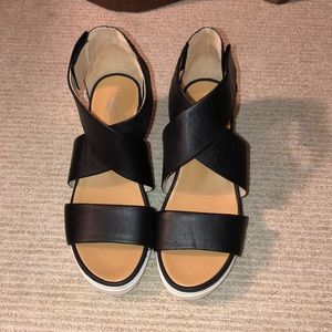 Dr. Scholl's black sandals with wedge